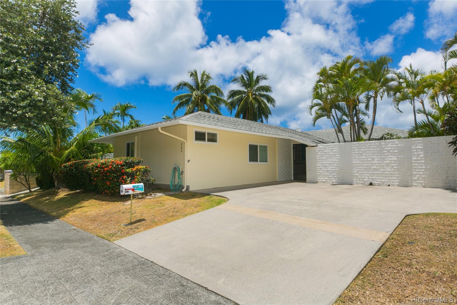 262  Panio Street Niu Valley, Diamond Head home - photo 3 of 25