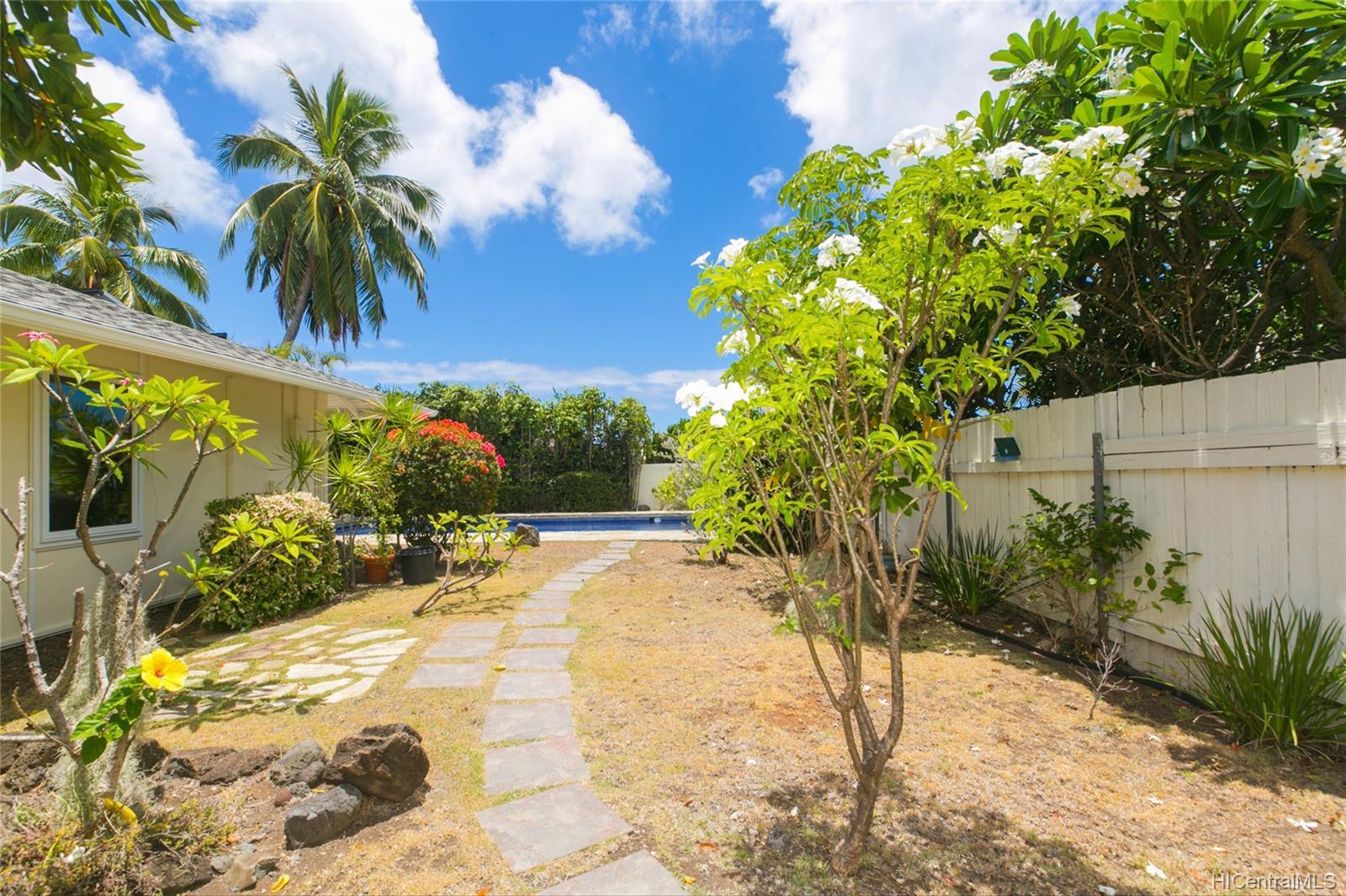 262  Panio Street Niu Valley, Diamond Head home - photo 21 of 25