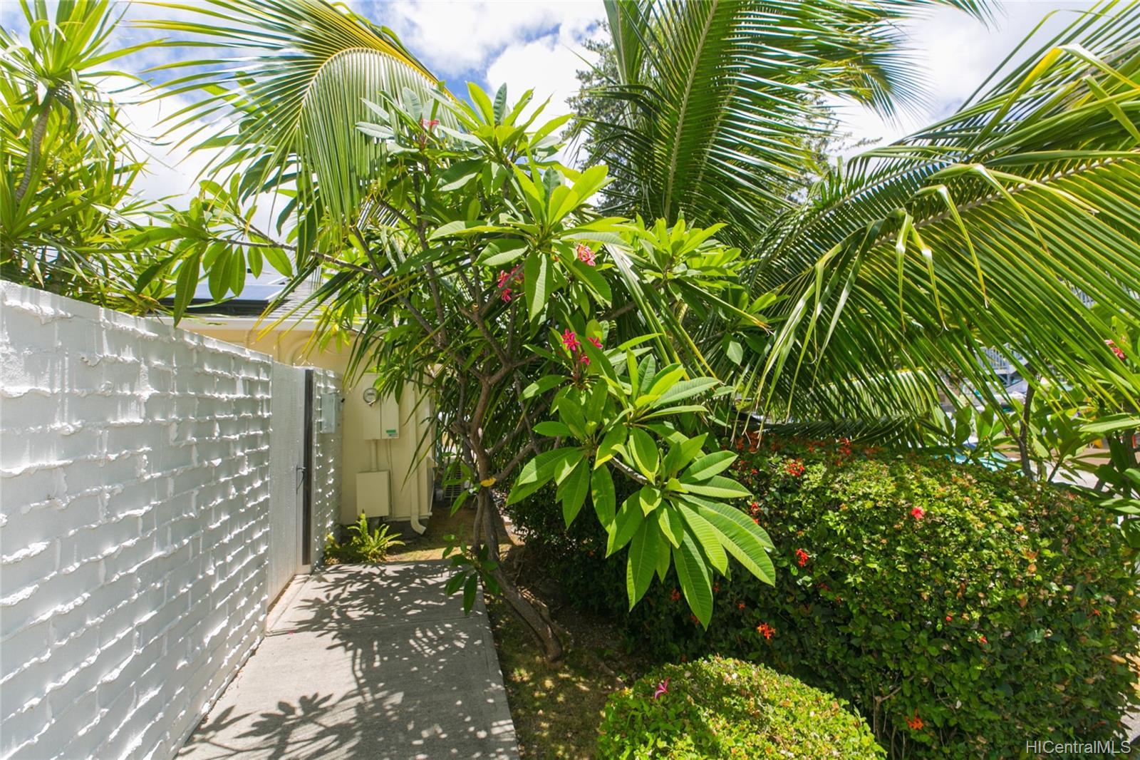 262  Panio Street Niu Valley, Diamond Head home - photo 23 of 25
