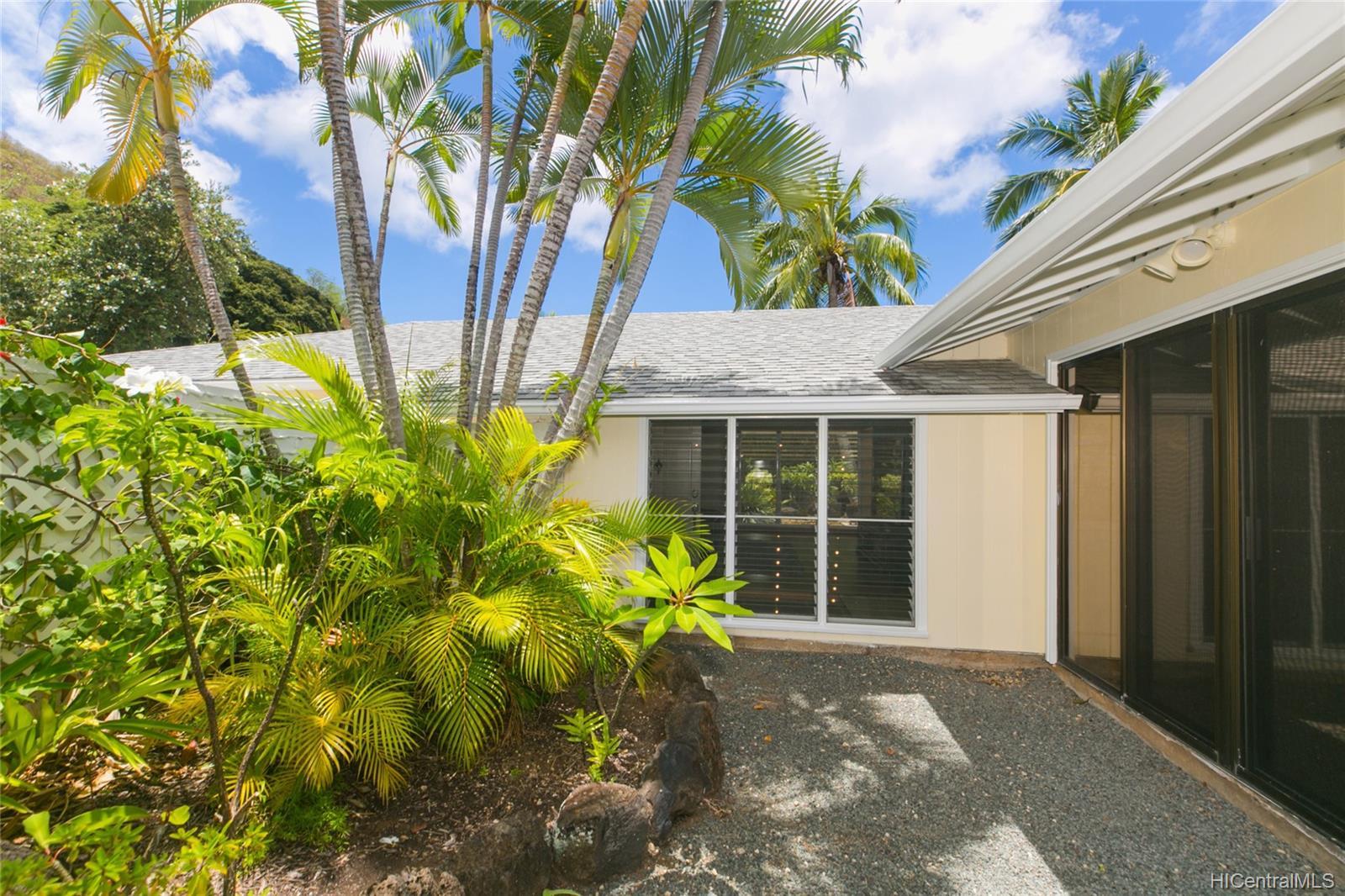 262  Panio Street Niu Valley, Diamond Head home - photo 7 of 25