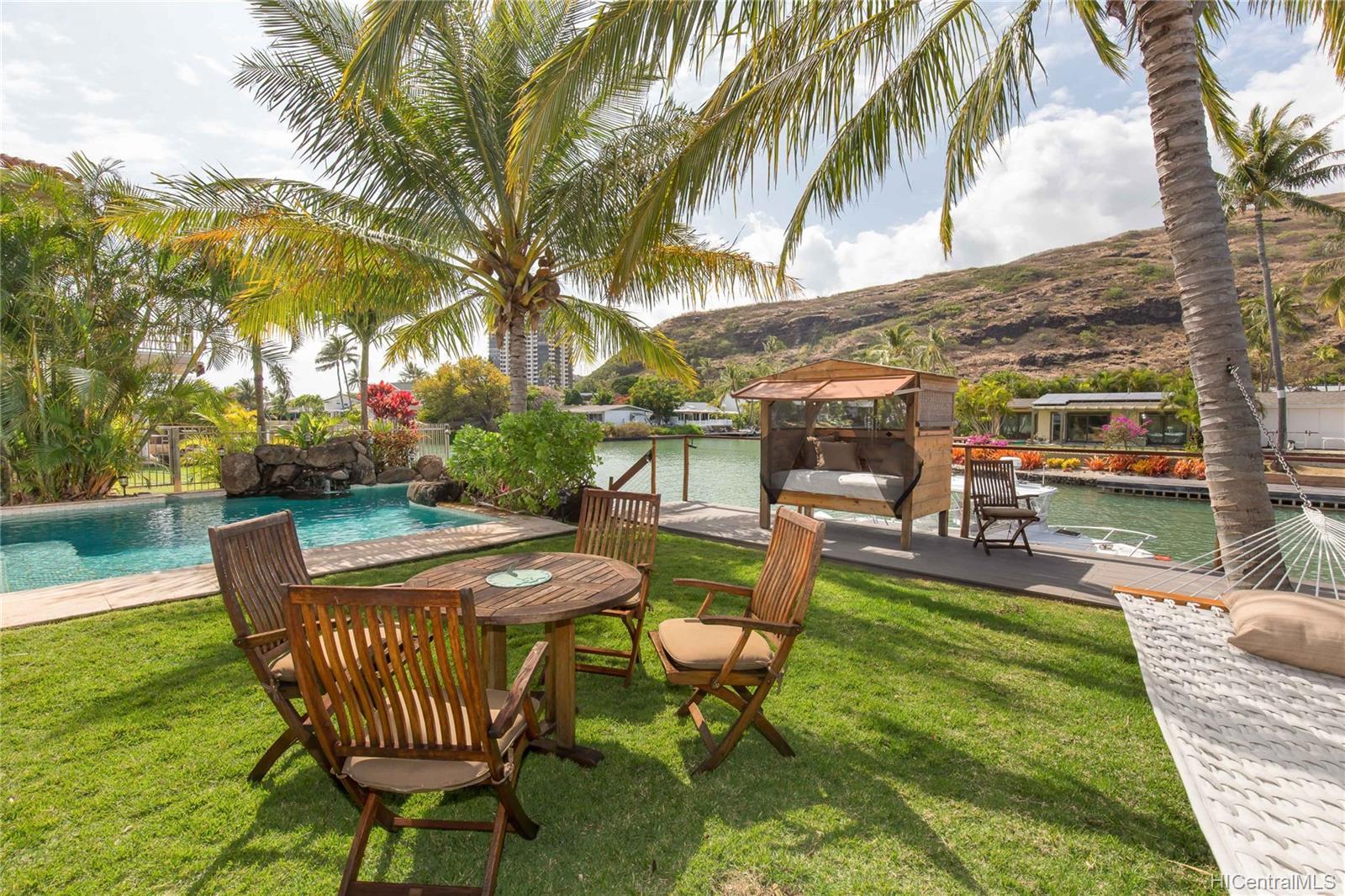 264  Hakalau Place West Marina, Hawaii Kai home - photo 9 of 25