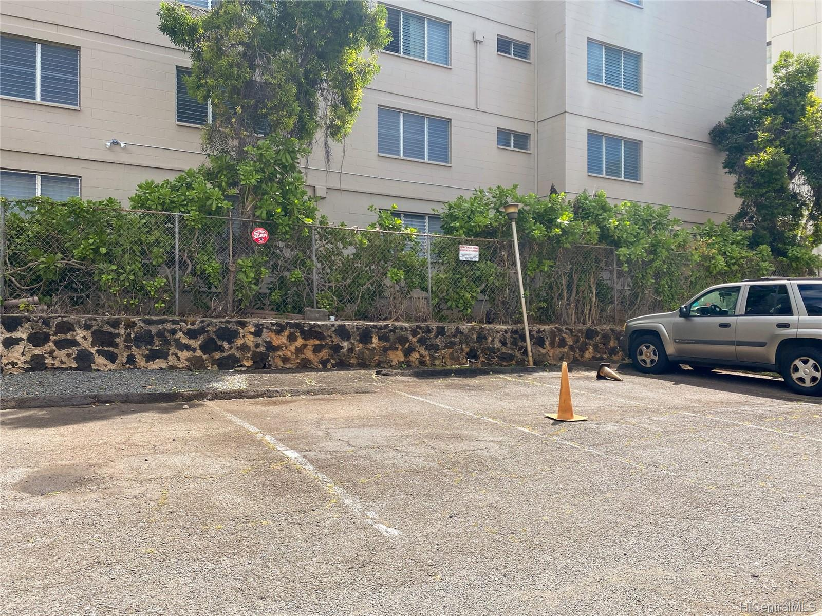 Varsity Villa condo # 404, Honolulu, Hawaii - photo 14 of 18