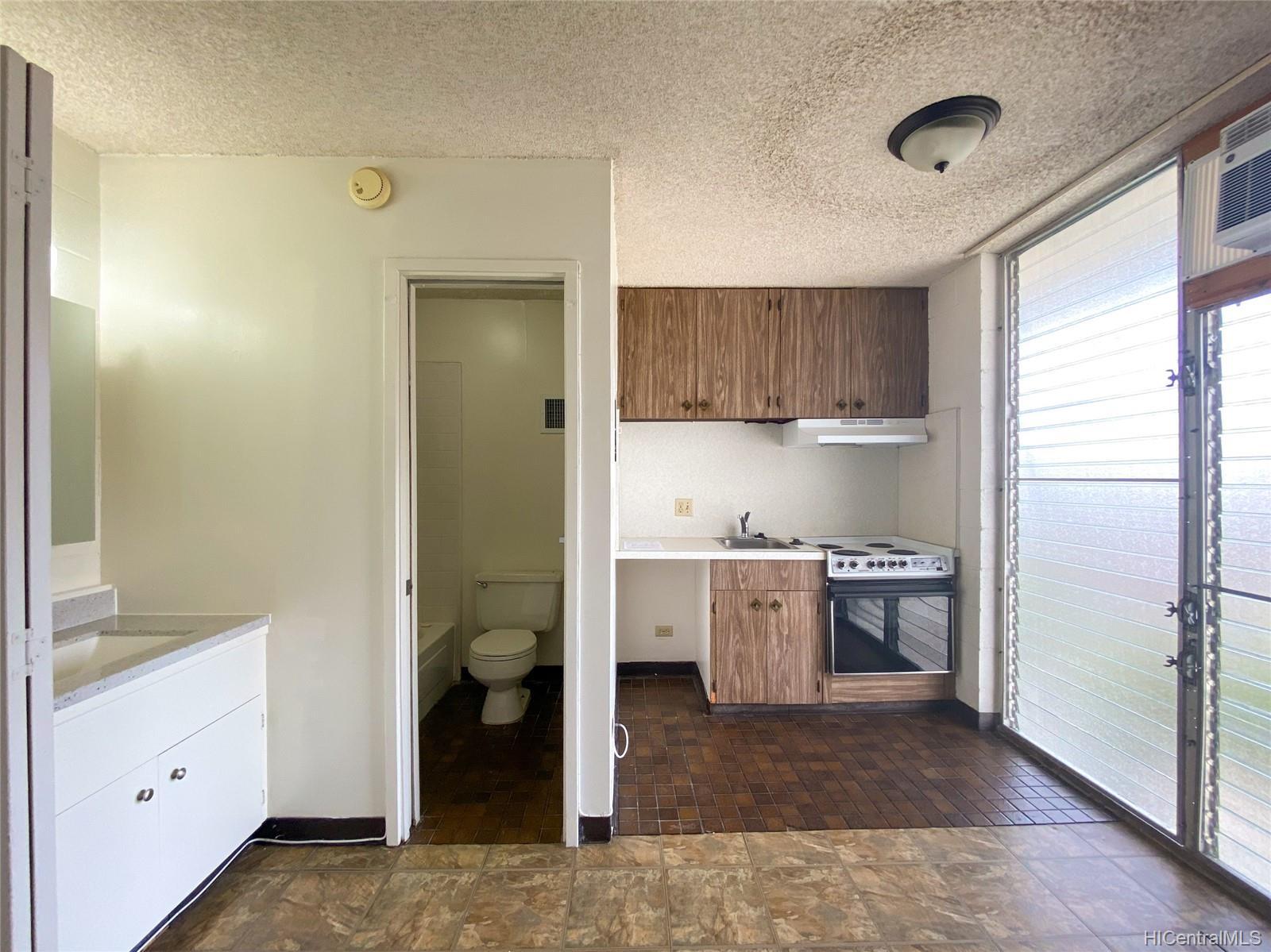 Varsity Villa condo # 404, Honolulu, Hawaii - photo 10 of 18