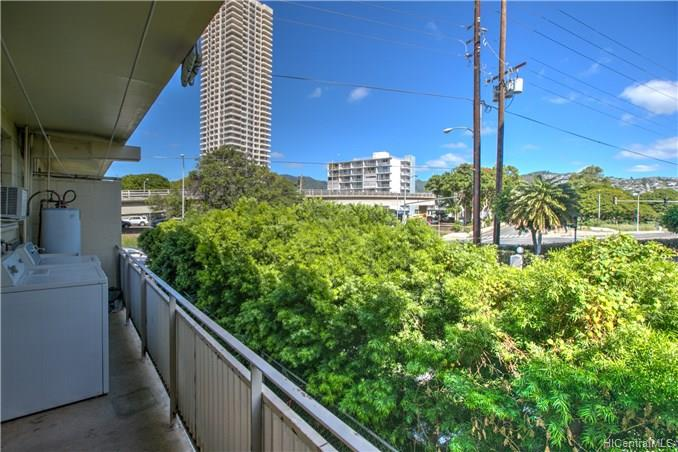 2765 Kapiolani condo #202, Honolulu, Hawaii - photo 1 of 11