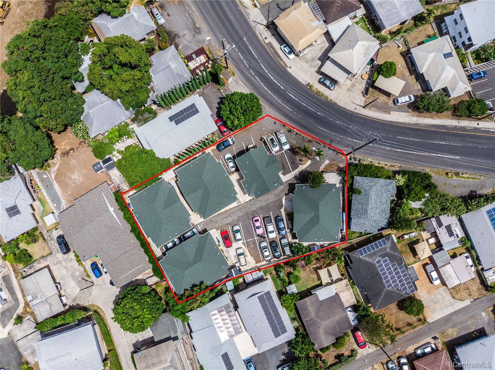 2816 Waialae Ave Honolulu - Multi-family - photo 1 of 21