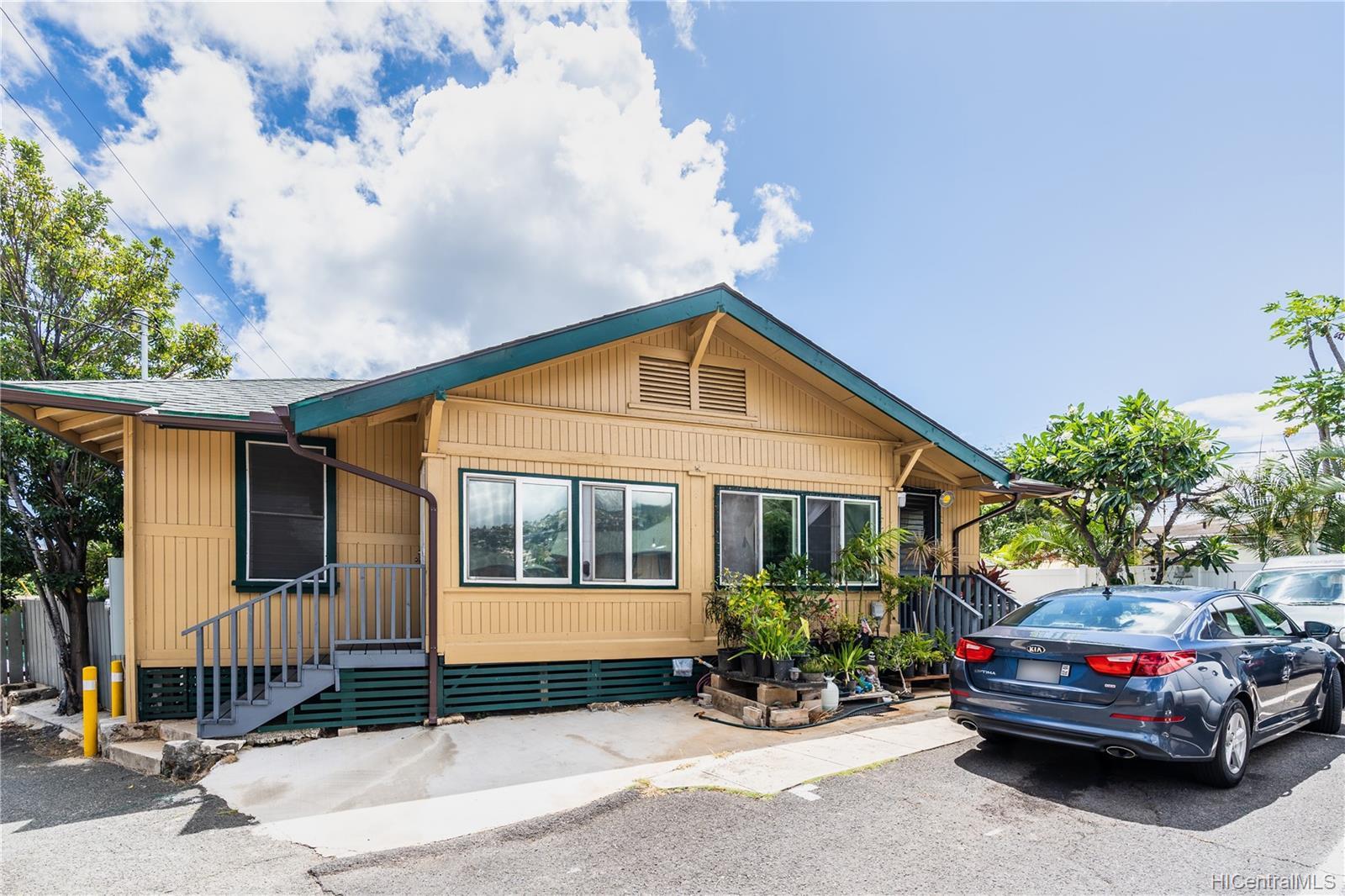 2816 Waialae Ave Honolulu - Multi-family - photo 17 of 21
