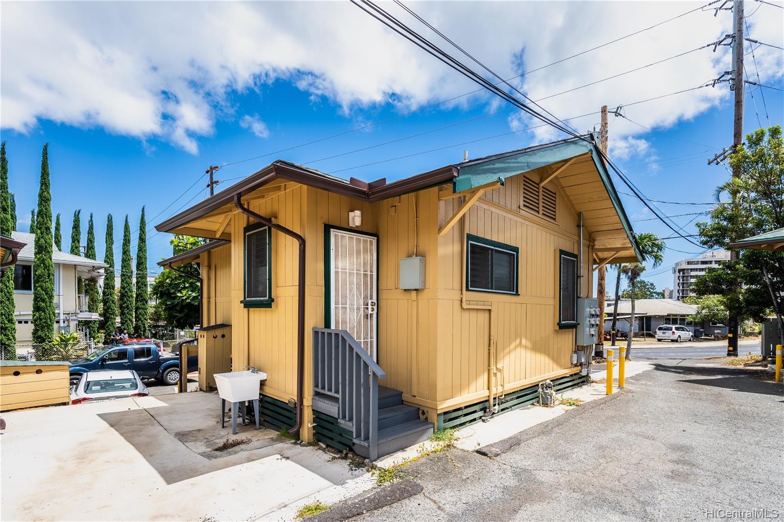 2816 Waialae Ave Honolulu - Multi-family - photo 18 of 21