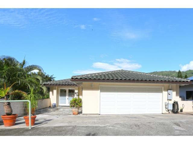 2832  Kalawao St Manoa Area, Honolulu home - photo 1 of 25