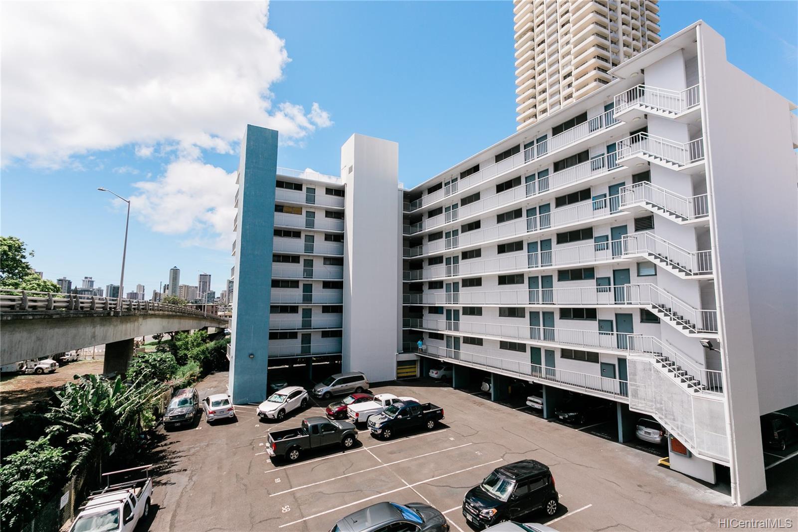 Rainbow Terrace condo # 302, Honolulu, Hawaii - photo 14 of 20