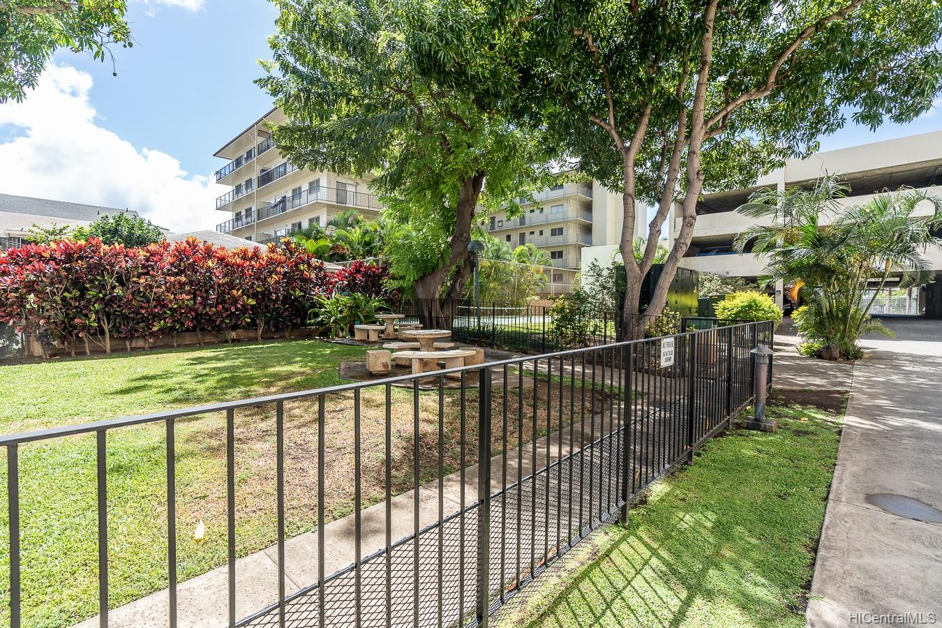Fairway House condo # 19A, Honolulu, Hawaii - photo 15 of 20