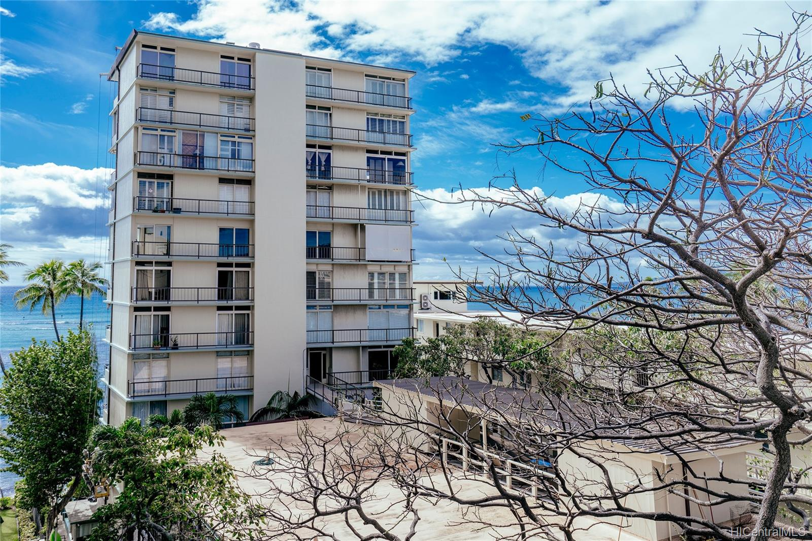 Diamond Head Bch Hotel condo # 705, Honolulu, Hawaii - photo 7 of 21
