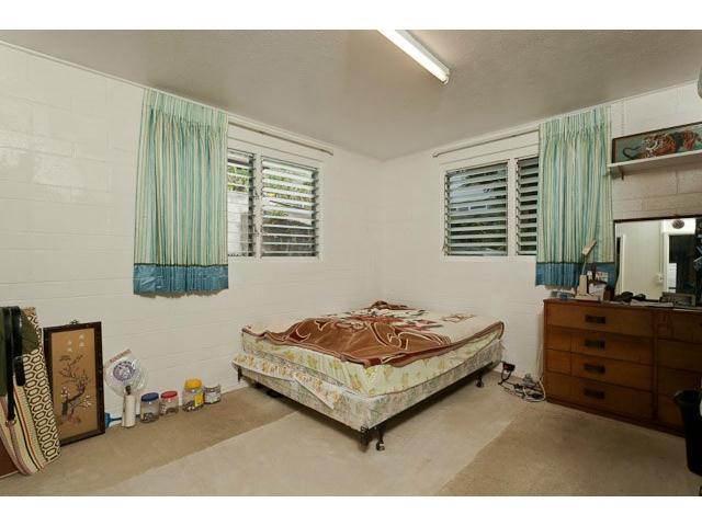 2951  Numana Rd Kalihi Valley, Honolulu home - photo 9 of 10