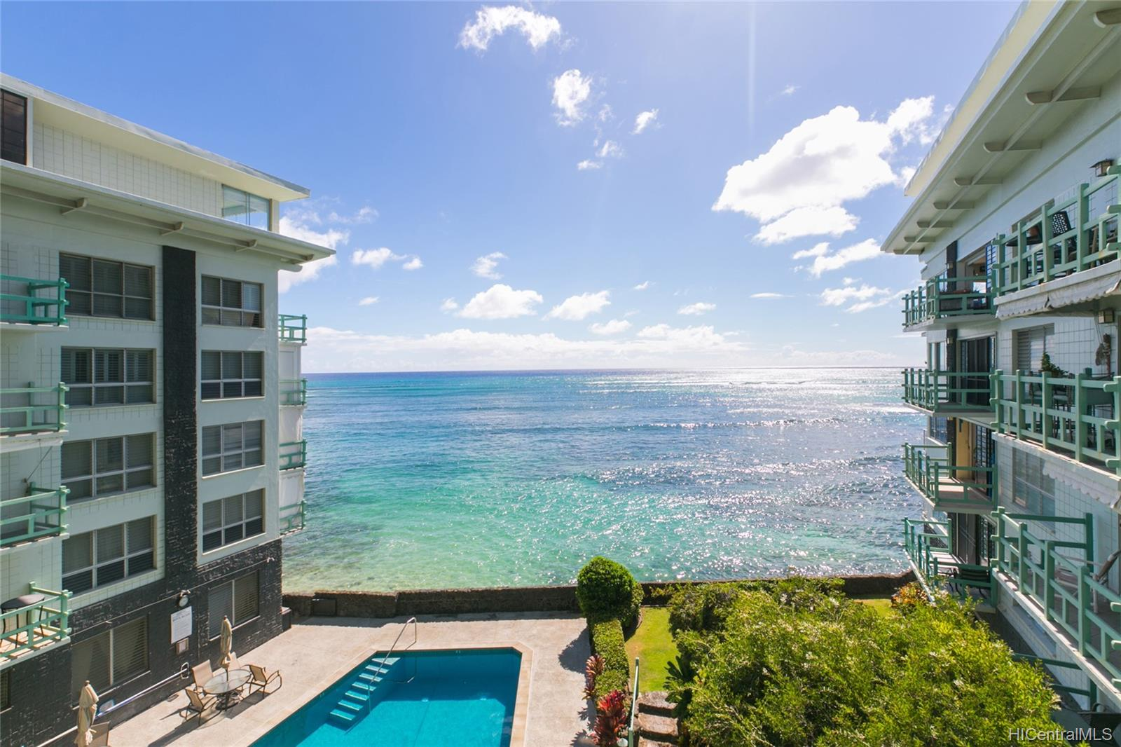 Diamond Head Ambassador C condo # 115, Honolulu, Hawaii - photo 1 of 17