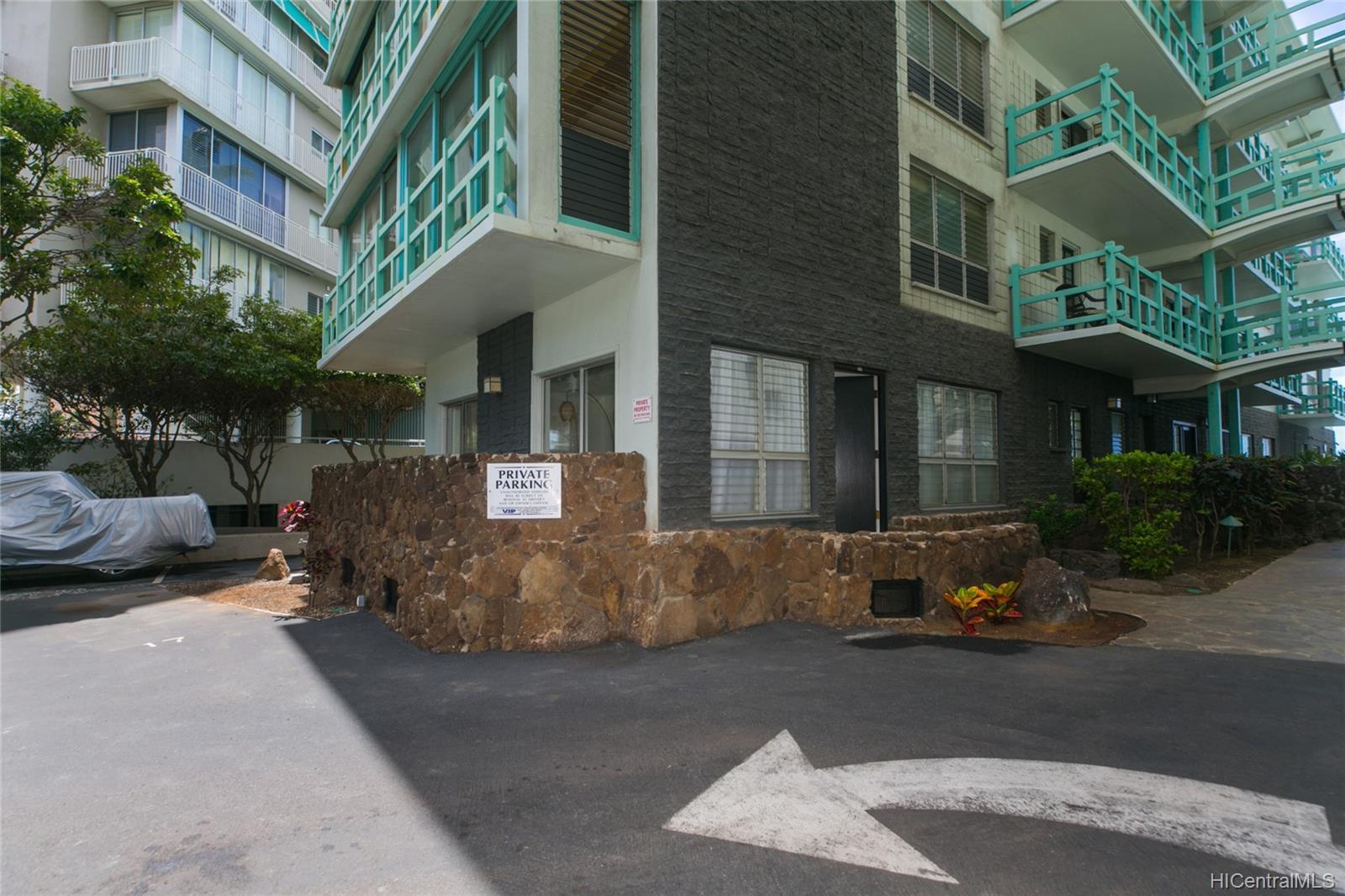 Diamond Head Ambassador C condo # 115, Honolulu, Hawaii - photo 16 of 17