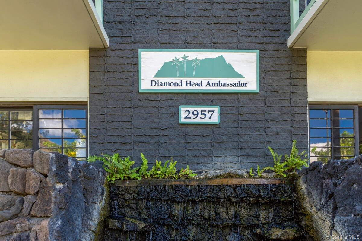 2957 Kalakaua Ave Honolulu - Rental - photo 22 of 25