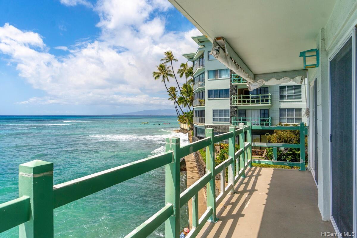 2957 Kalakaua Ave Honolulu - Rental - photo 7 of 25