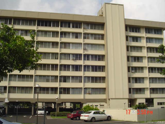 Salt Lake Manor condo # 504, Honolulu, Hawaii - photo 1 of 4