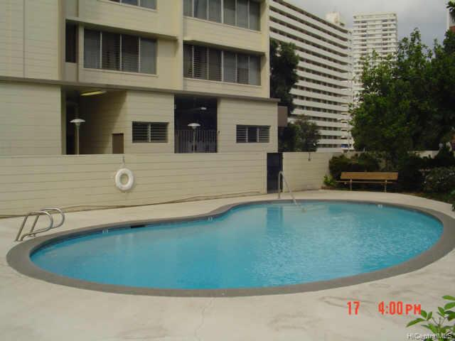Salt Lake Manor condo # 504, Honolulu, Hawaii - photo 4 of 4