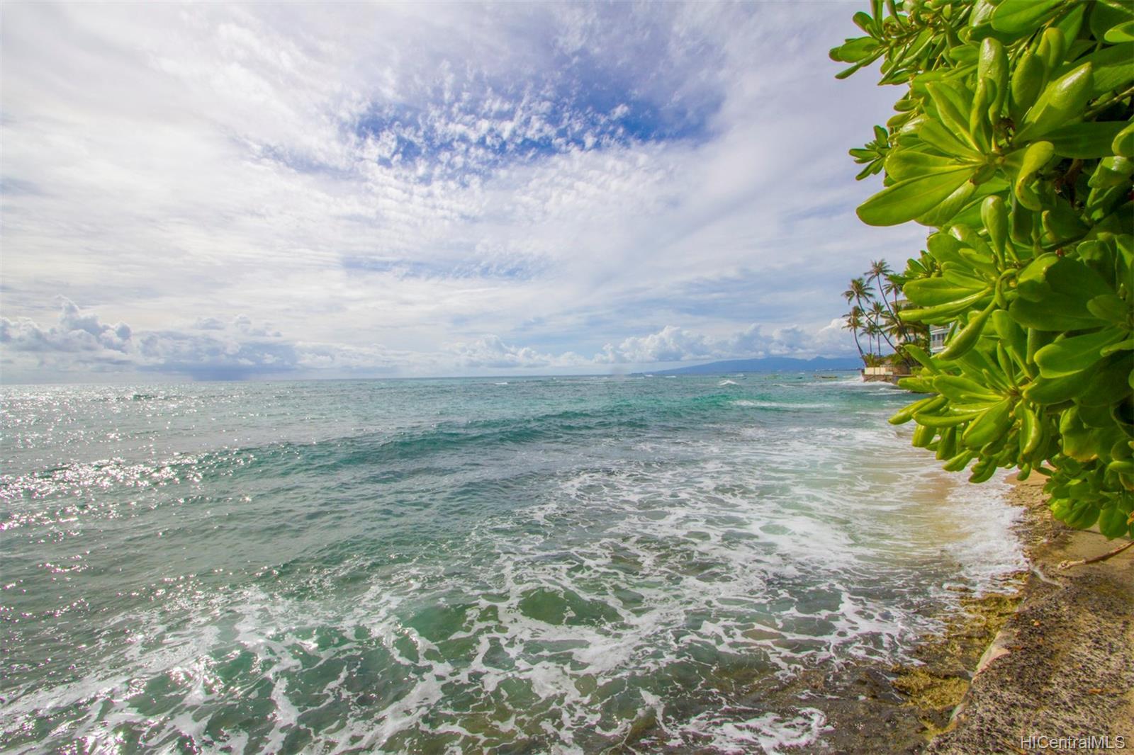 Coral Strand Ltd condo # 207, Honolulu, Hawaii - photo 4 of 22