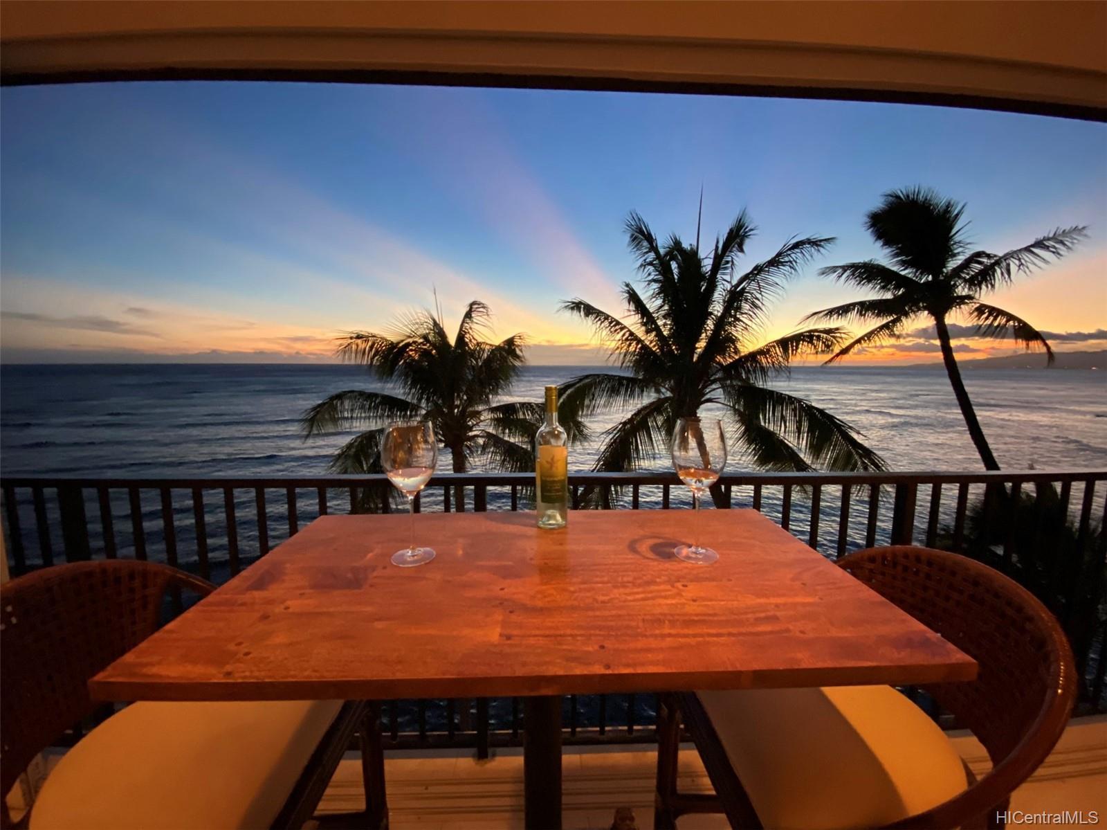2987 Kalakaua condo # 705, Honolulu, Hawaii - photo 3 of 22