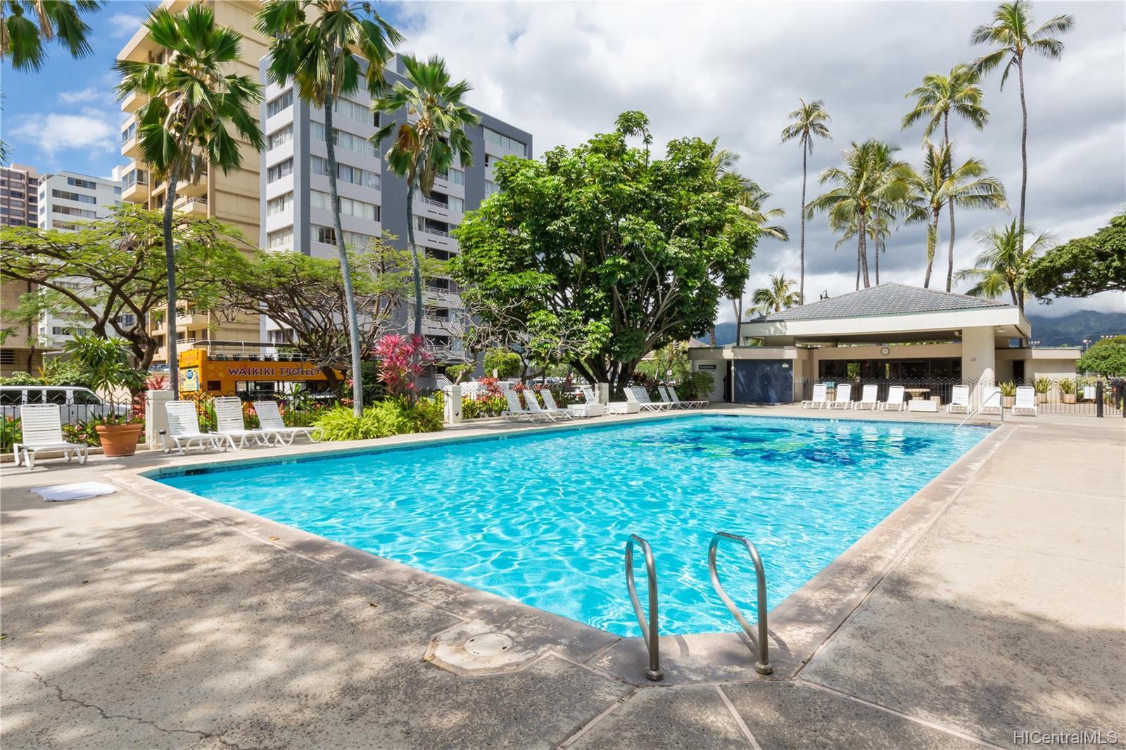 Liliuokalani Gardens condo # 2016, Honolulu, Hawaii - photo 11 of 13