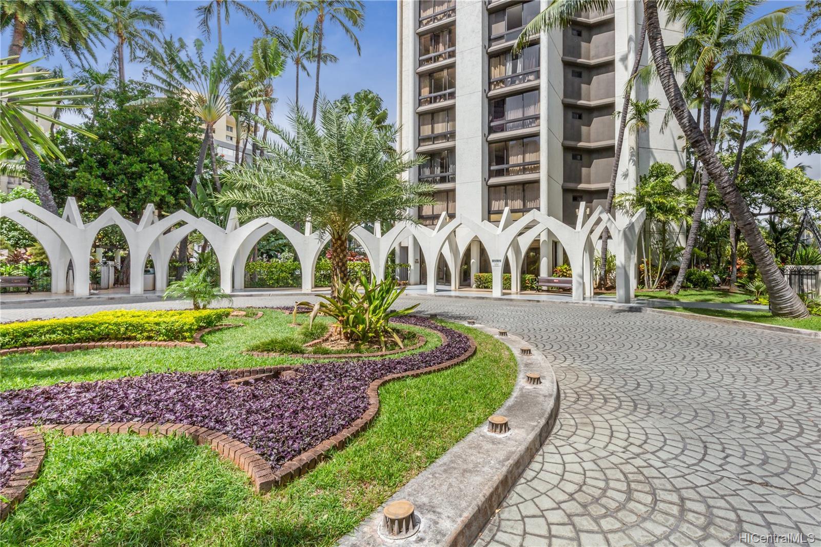 Liliuokalani Gardens condo # 2016, Honolulu, Hawaii - photo 10 of 13