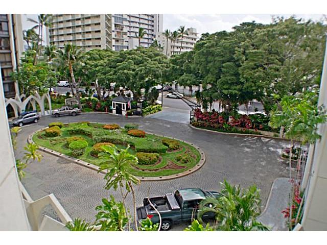 Liliuokalani Gardens condo # 405, Honolulu, Hawaii - photo 6 of 14