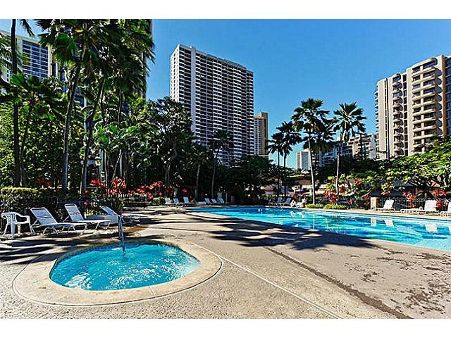 Liliuokalani Gardens condo # I/1103, Honolulu, Hawaii - photo 11 of 13