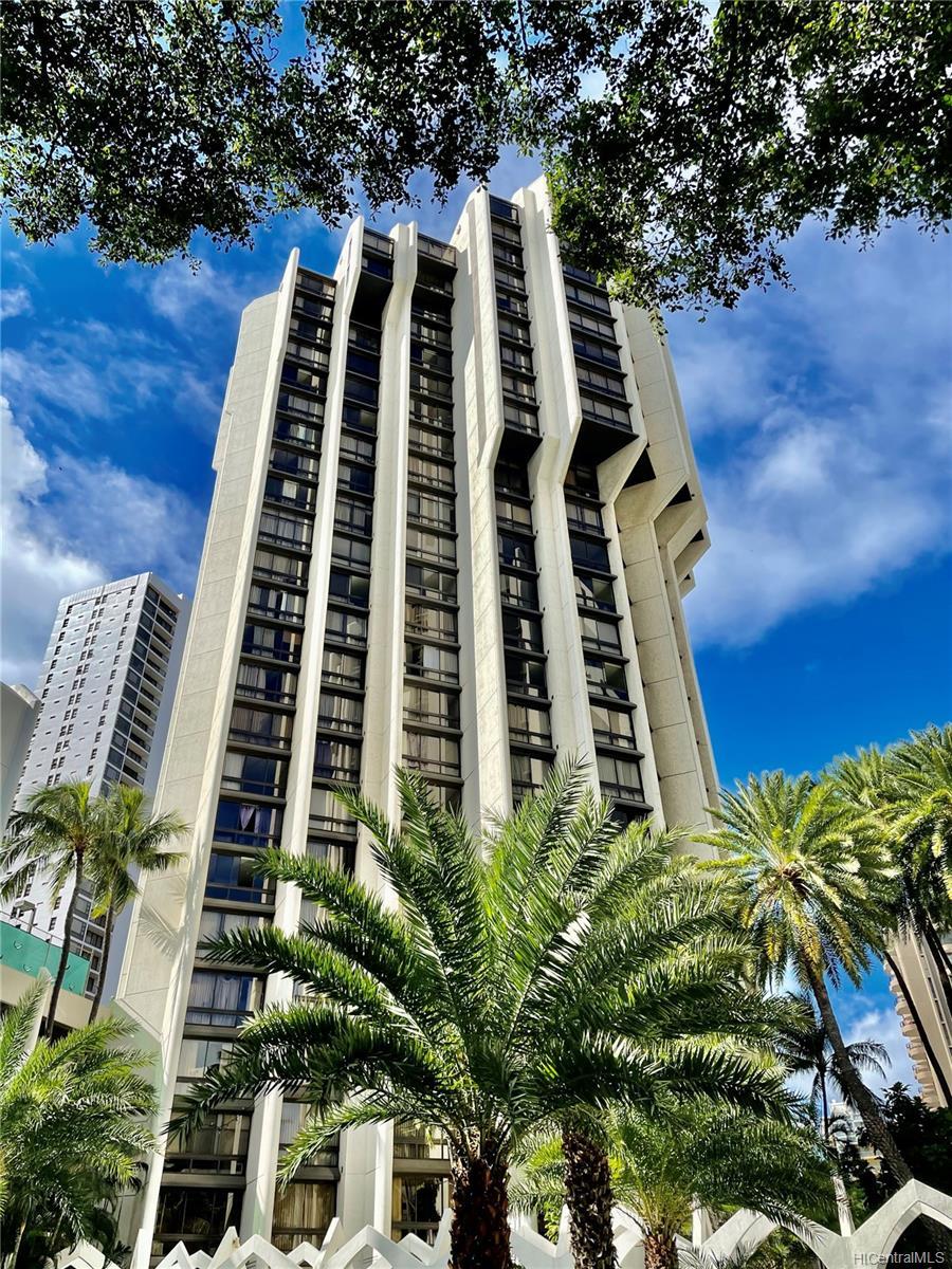 Liliuokalani Gardens condo # I1401, Honolulu, Hawaii - photo 23 of 24