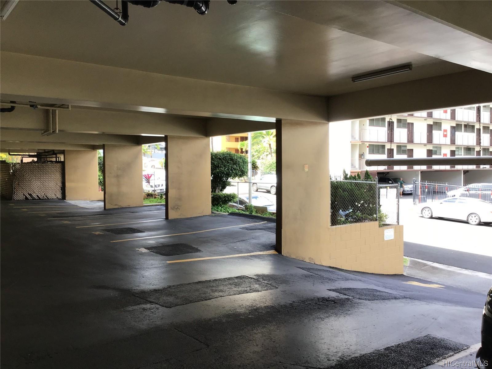 Hillside Villa condo # 204, Honolulu, Hawaii - photo 5 of 13