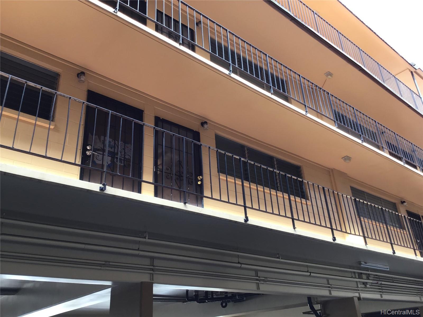 Hillside Villa condo # 204, Honolulu, Hawaii - photo 6 of 13