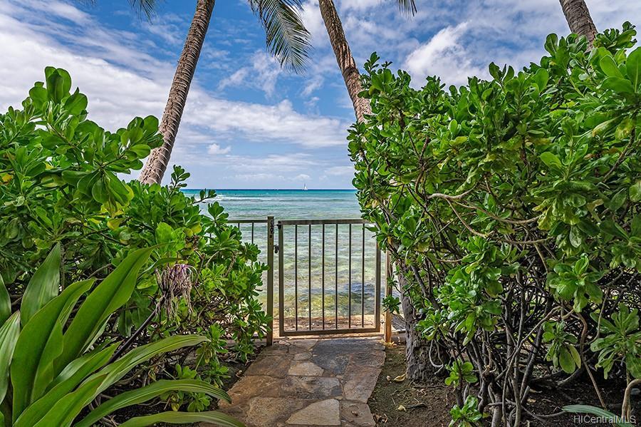 Oceanside Manor condo # 602, Honolulu, Hawaii - photo 24 of 25