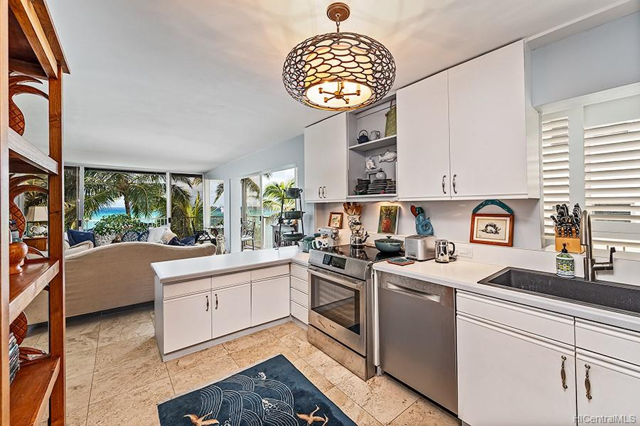 Oceanside Manor condo # 602, Honolulu, Hawaii - photo 6 of 25