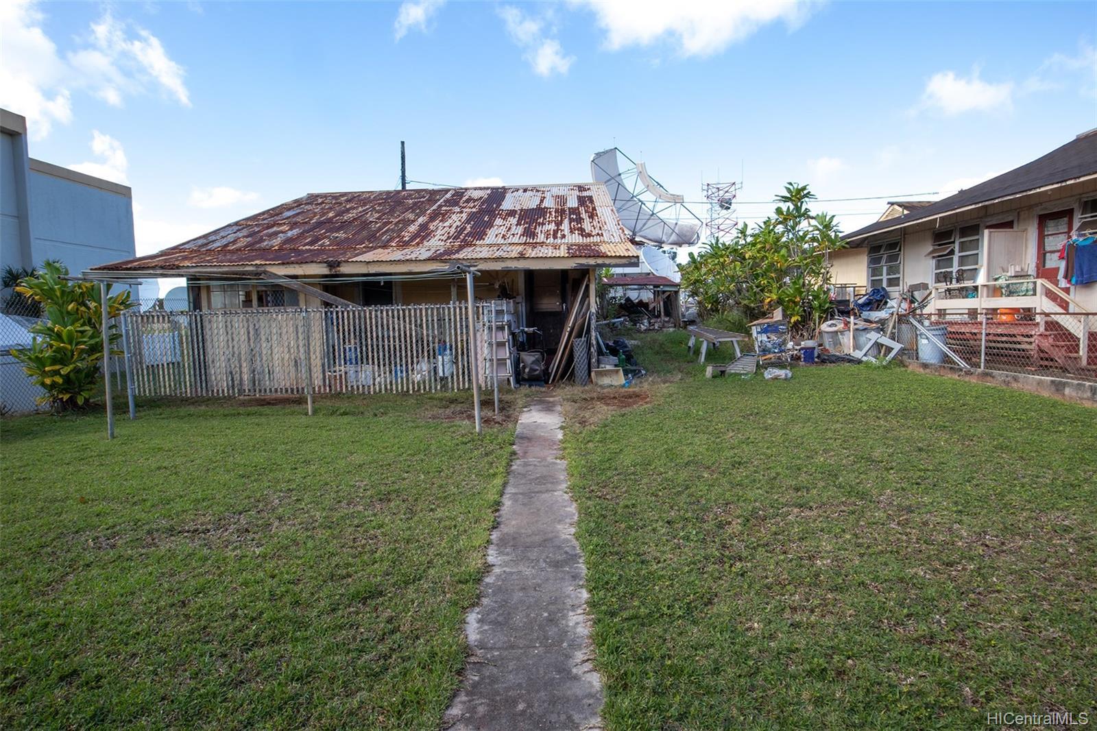 305  Koa Street Wahiawa Area, Central home - photo 1 of 6