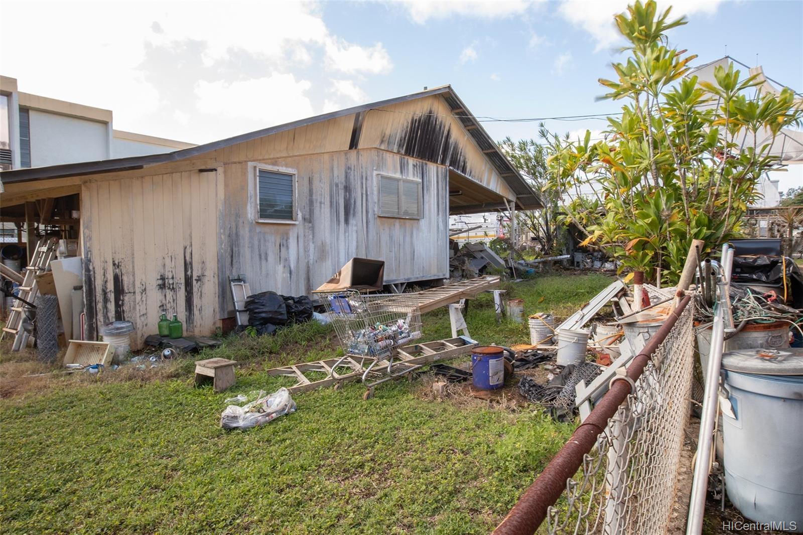 305  Koa Street Wahiawa Area, Central home - photo 3 of 6