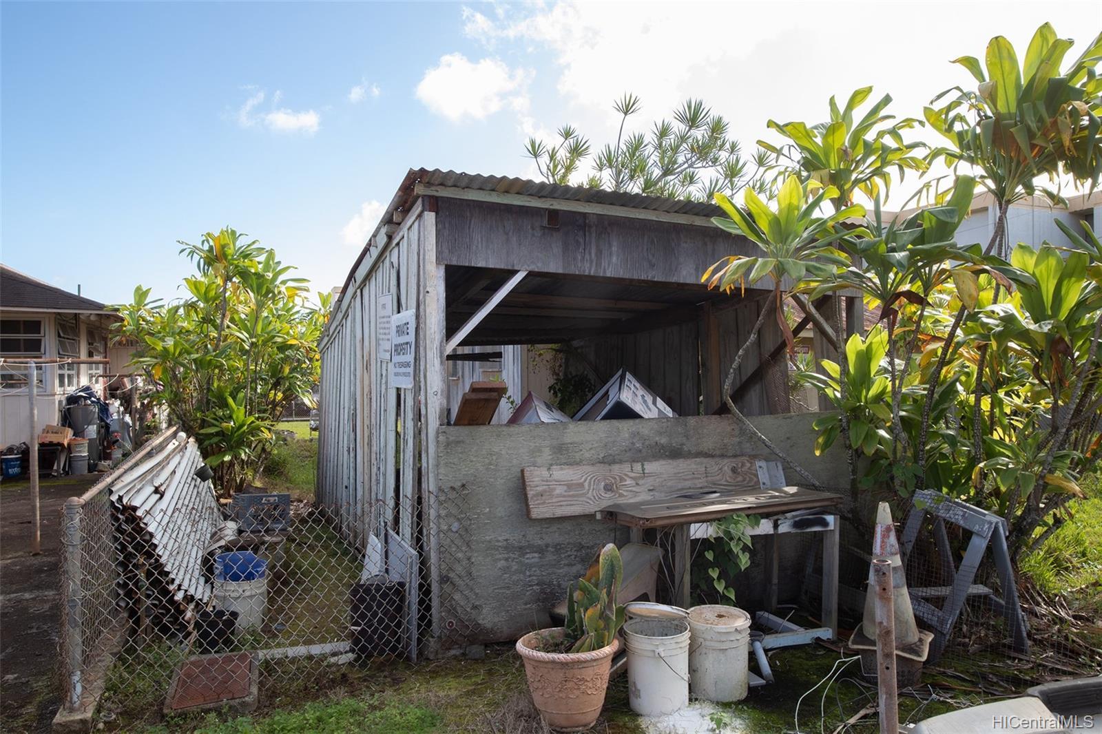 305  Koa Street Wahiawa Area, Central home - photo 4 of 6