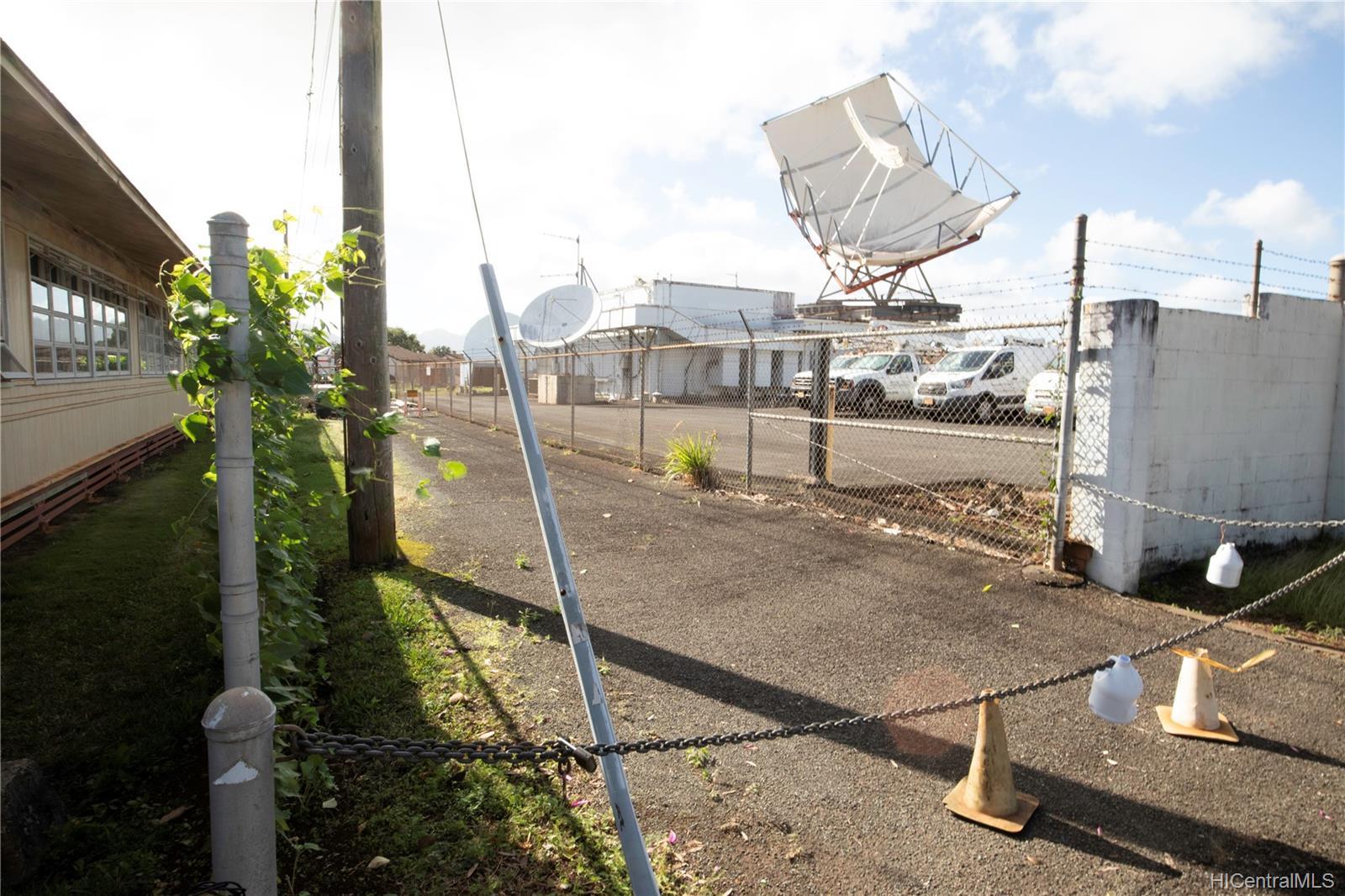 305  Koa Street Wahiawa Area, Central home - photo 5 of 6