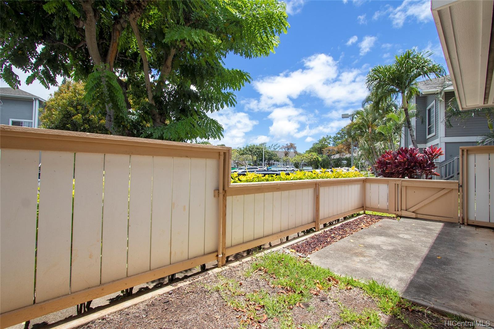 311 Mananai Place townhouse # 45A, Honolulu, Hawaii - photo 7 of 25