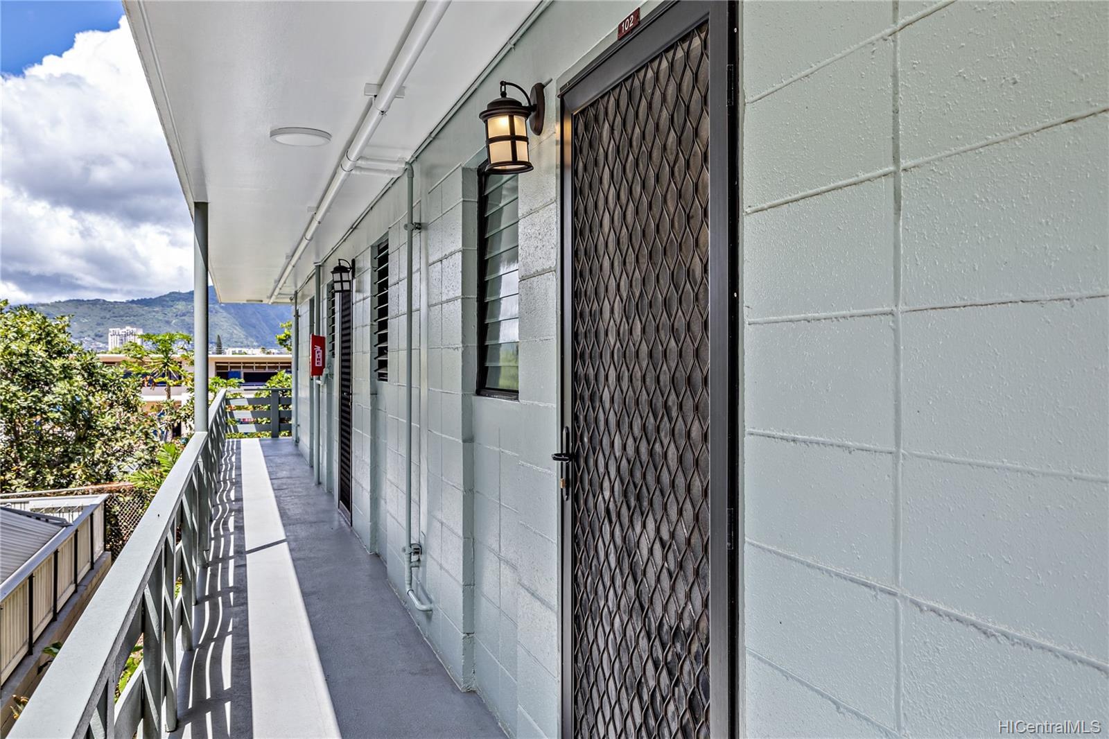 Hale Pua Lei condo # 102, Honolulu, Hawaii - photo 23 of 24