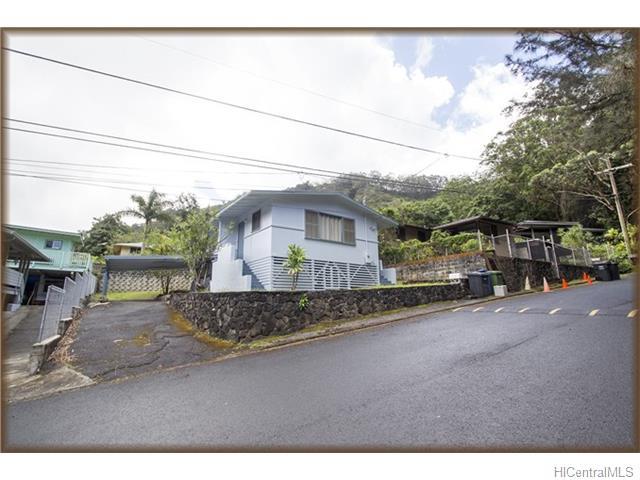 3145  Kalihi St Kalihi Valley, Honolulu home - photo 1 of 16