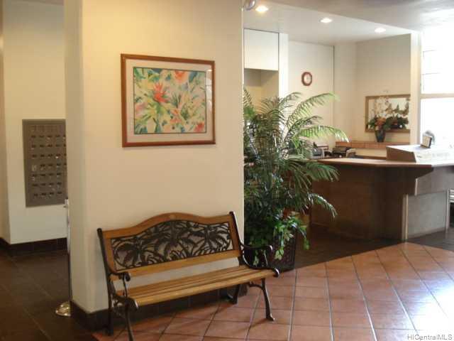 Century West condo # 401, Honolulu, Hawaii - photo 4 of 8