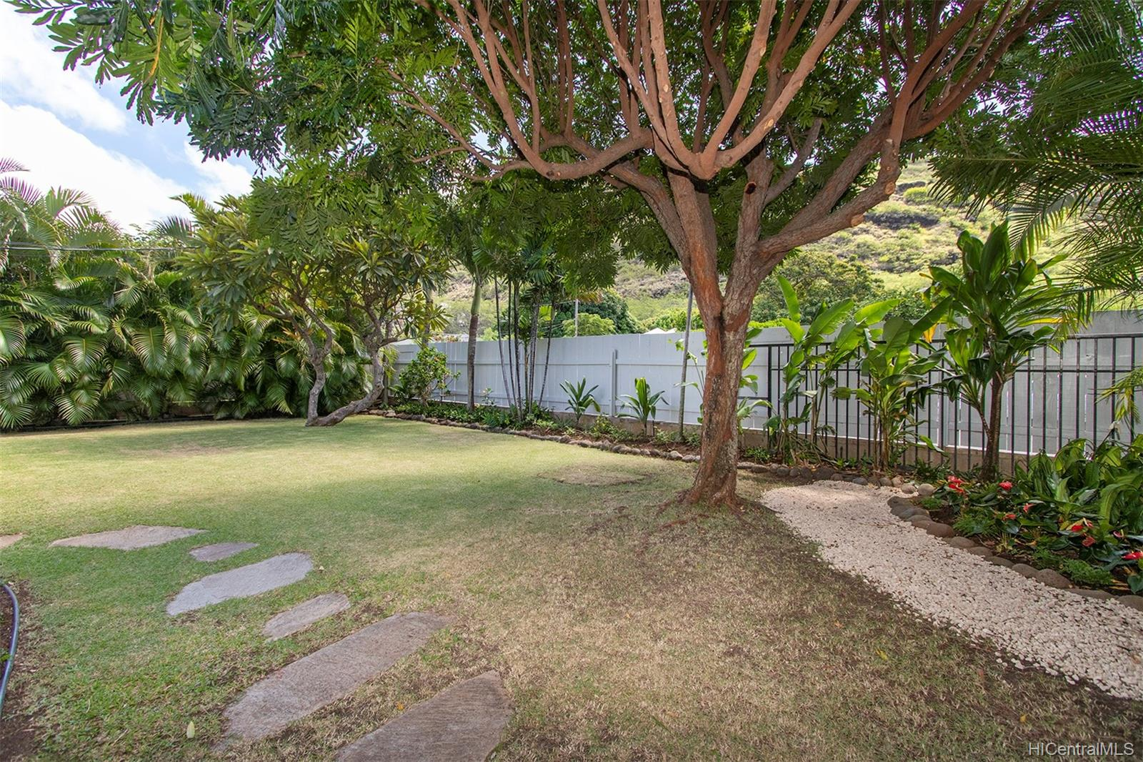 328  Dalene Way Kuliouou, Diamond Head home - photo 12 of 23