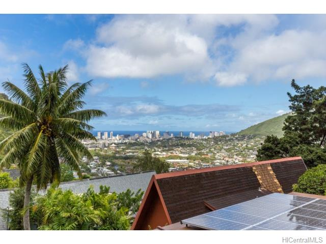 3281  Beaumont Woods Pl Manoa-woodlawn, Honolulu home - photo 0 of 13