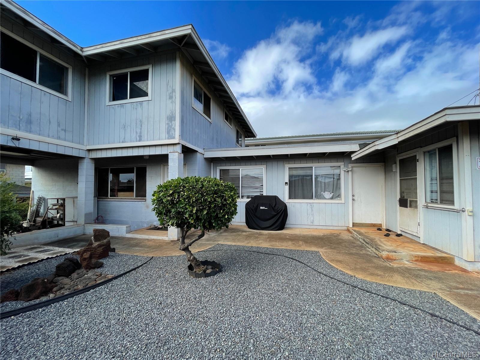 3332-A  Maunaloa Ave Kaimuki, Diamond Head home - photo 2 of 9