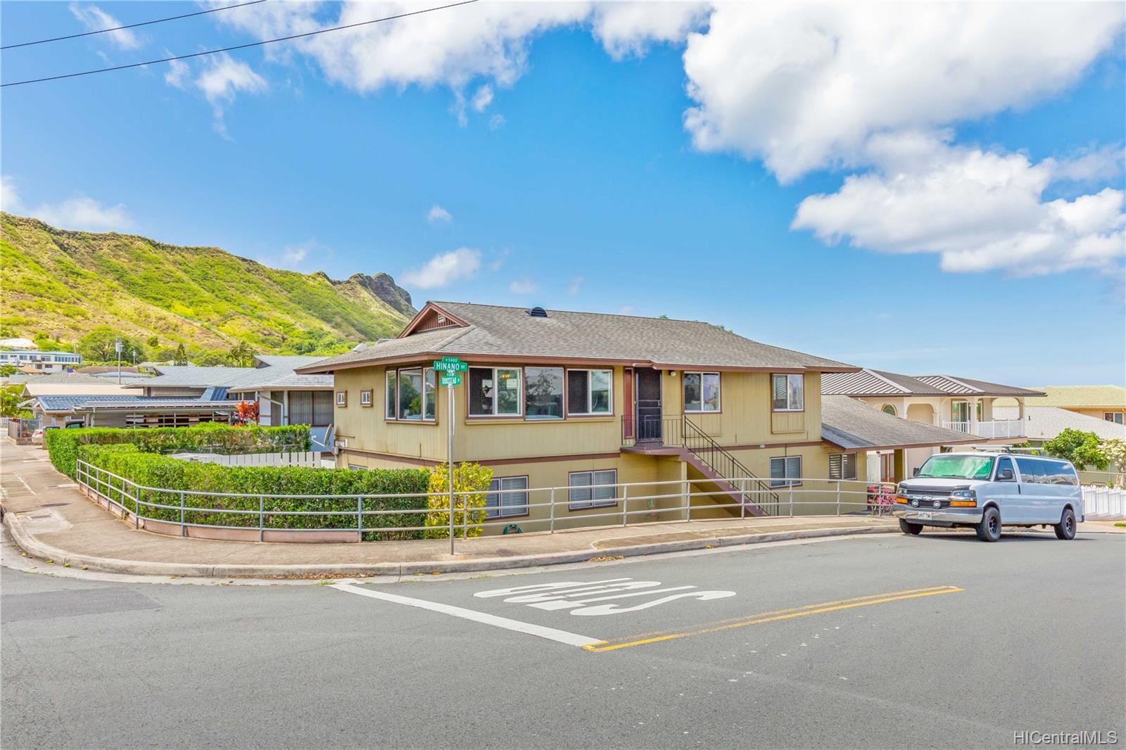 3347  Hinano Street Kapahulu, Diamond Head home - photo 2 of 21