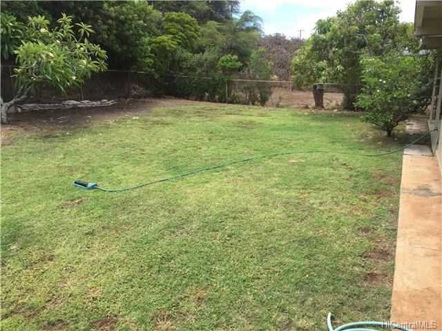 337  Kaumakani St Koko Head Terrace, Hawaii Kai home - photo 2 of 22