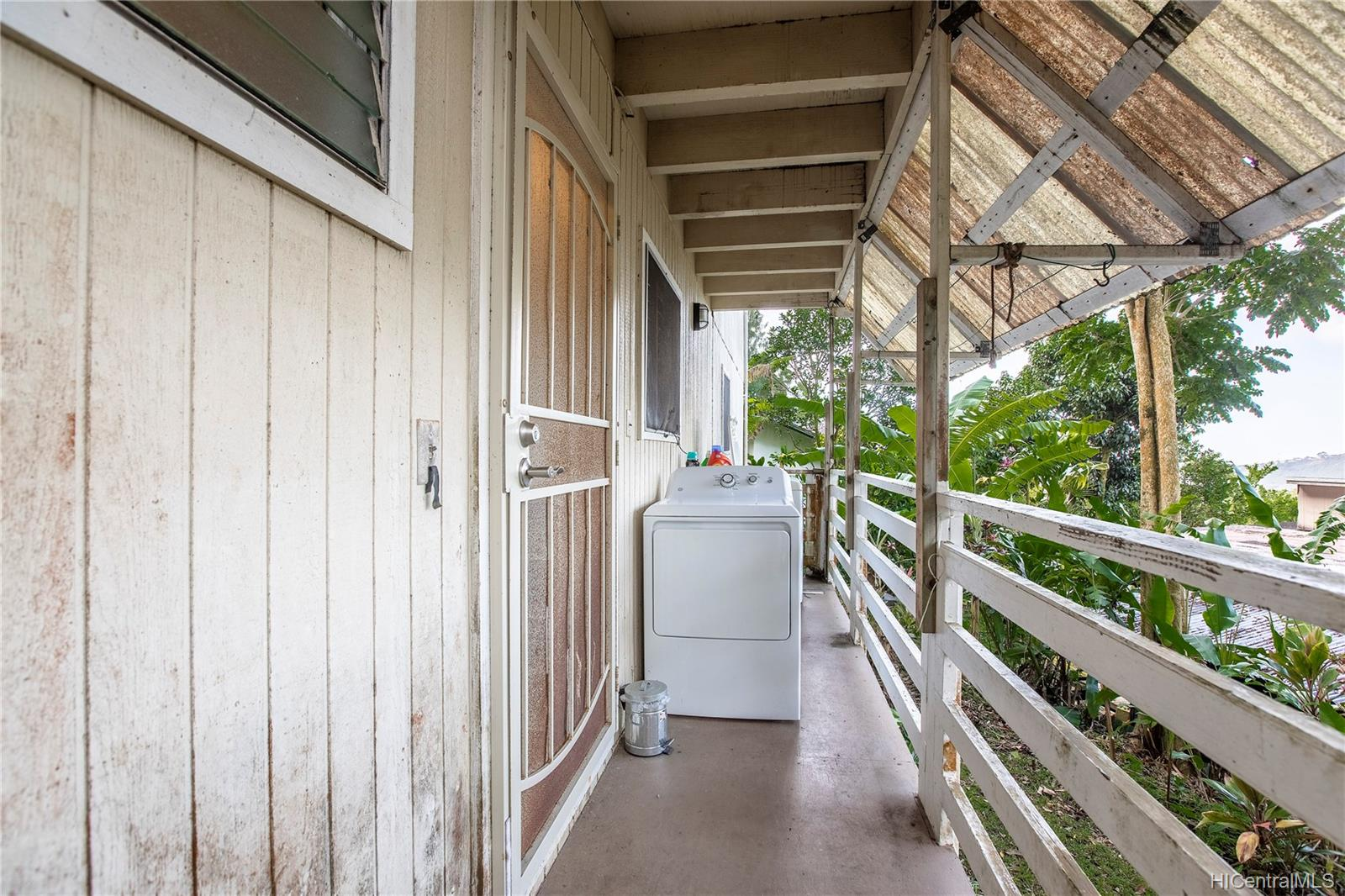3381A  Kamaaina Place Dowsett, Honolulu home - photo 17 of 21