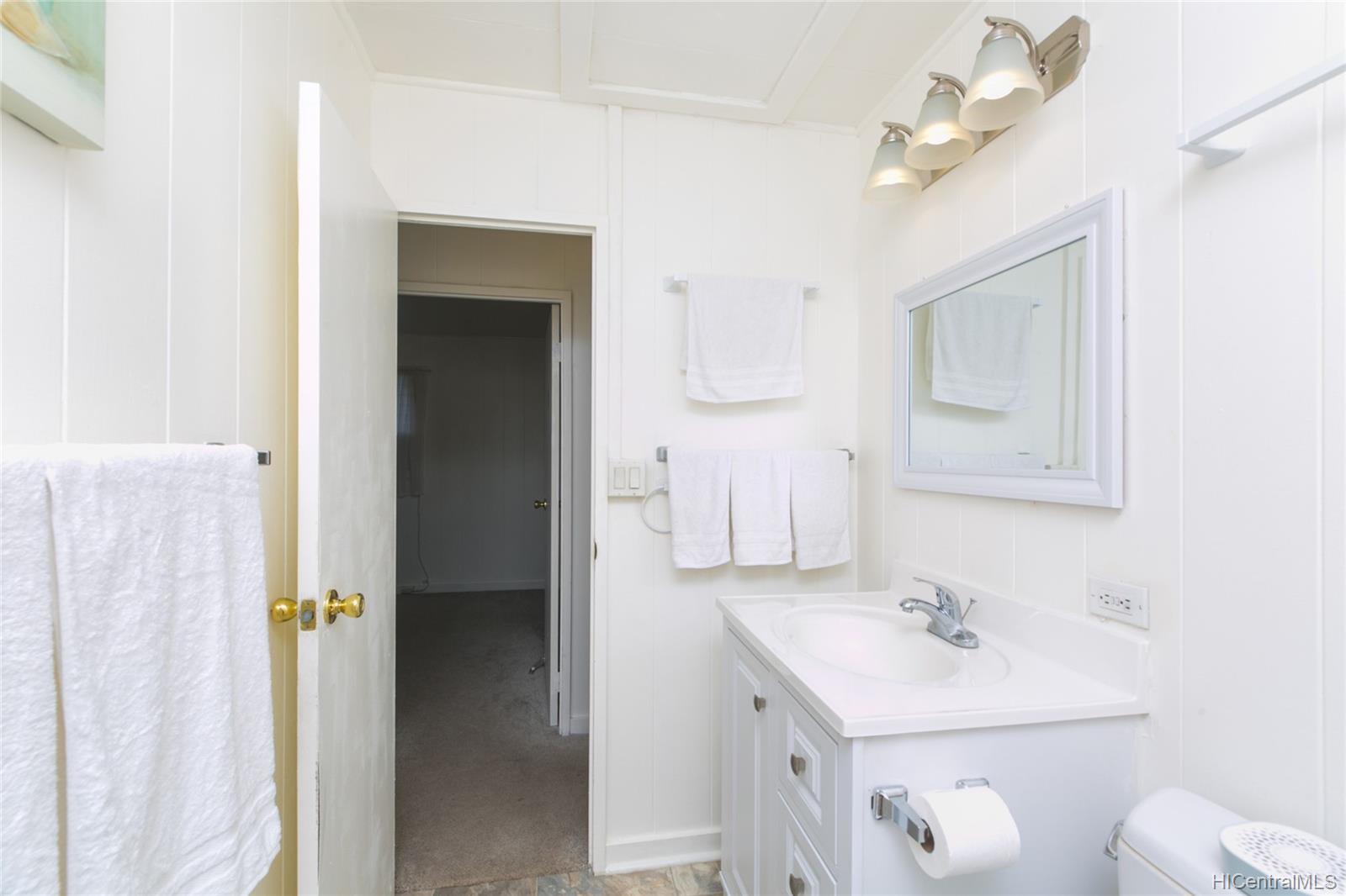 3420  Hayden Street Kapahulu, Diamond Head home - photo 14 of 25