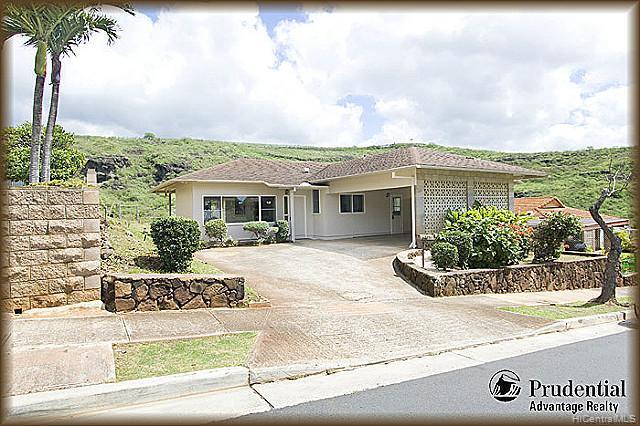 3451  Ala Hapuu St Salt Lake, Honolulu home - photo 1 of 15