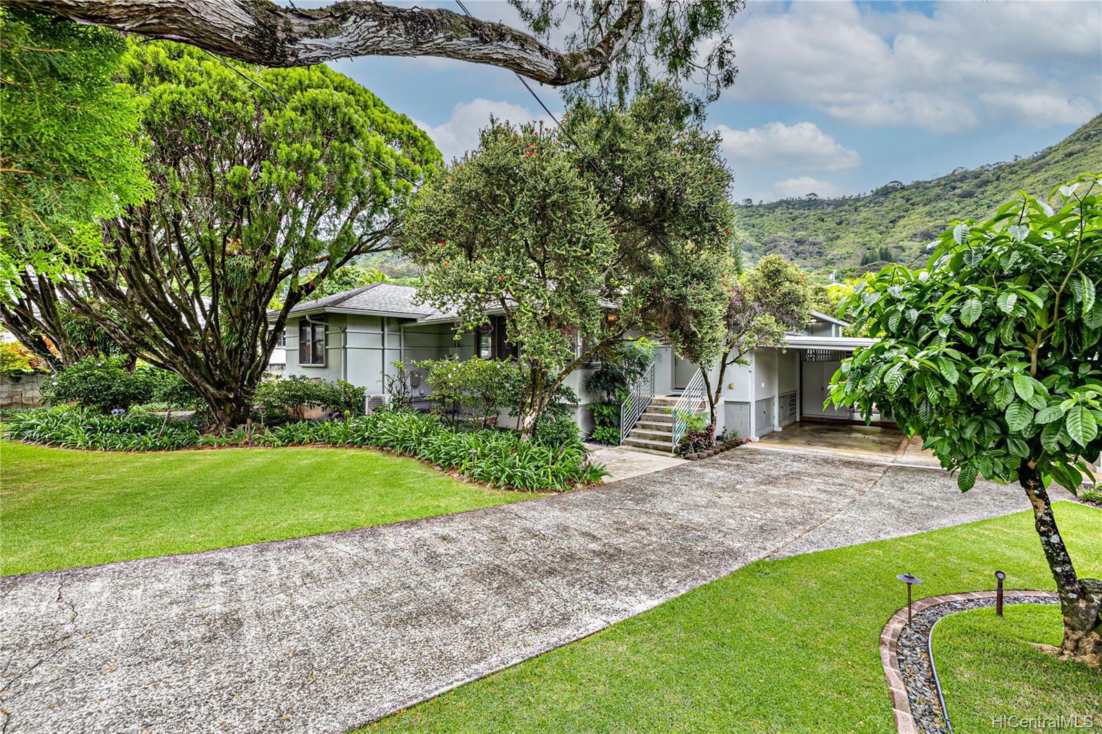 3505  Akaka Place Manoa-woodlawn, Honolulu home - photo 1 of 25